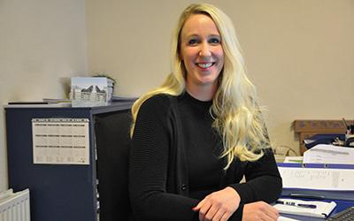 Miranda Lagemaat-Elzenga, secretaresse, m.lagemaat@ceb-overijssel.nl
